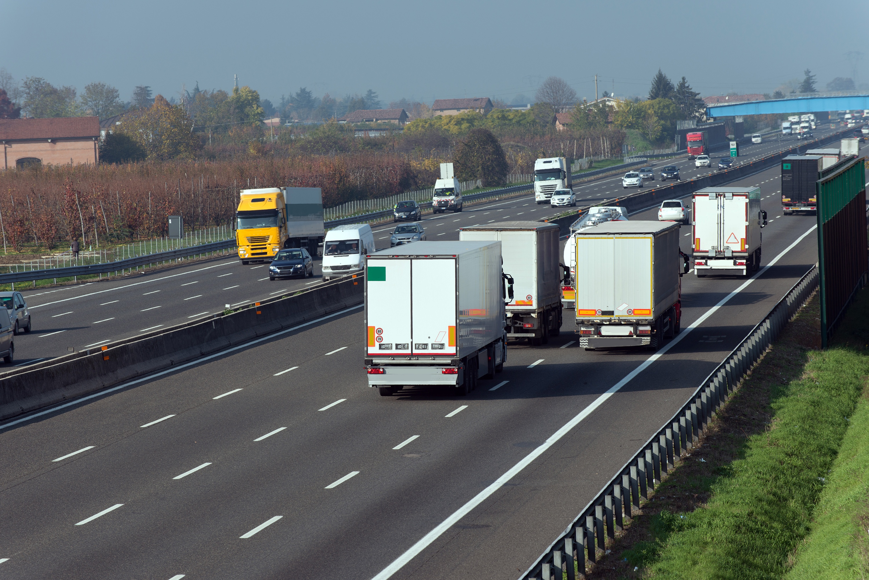 Mitigating in-transit risk using Monitoring services